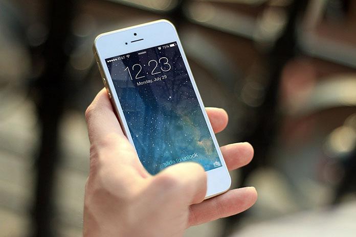 Telefony z systemem operacyjnym iOS. Czym różnią się od Androida